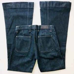 Lacoste Jeans.